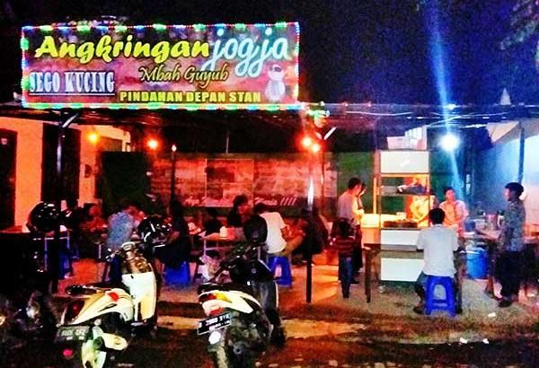 Angkringan Jogja Mbah Guyub di Bintaro