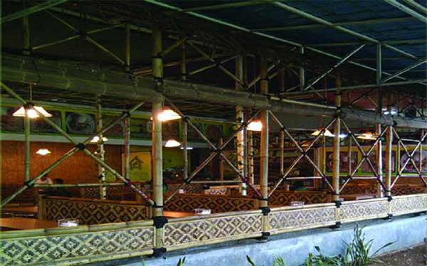 Goeboek-Bamboe-Depok-Town-Square