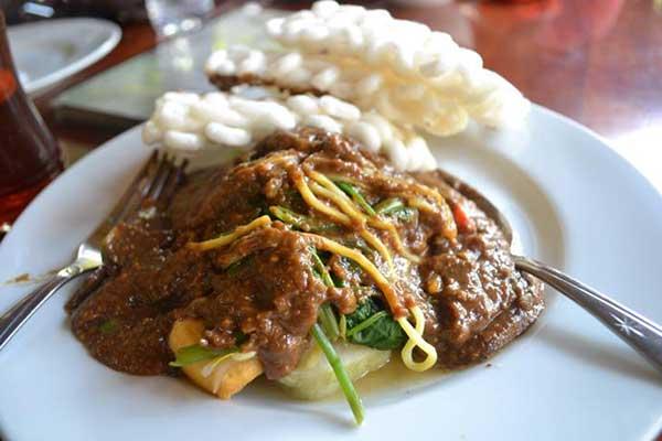 Rujak-Cingur-Surabaya