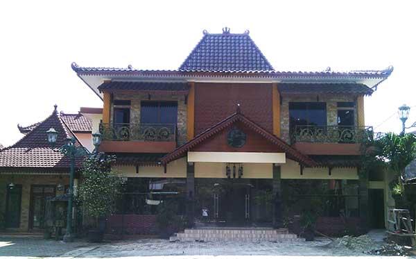 AYAM-GORENG-SUHARTI-CILANDAK3