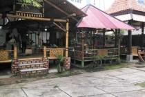 Saung Lesehan Takuy 99