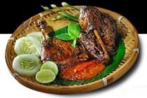 Pecel Lele dan Ayam Bakar Batavia